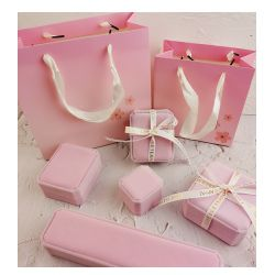 Pink Velvet Jewelry boxes for Gift wrapping