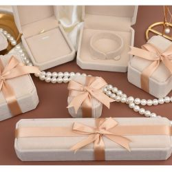 Beige color Jewelry boxes for Gift wrapping